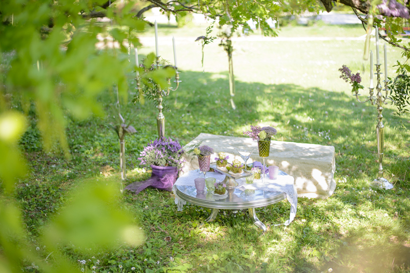 Frühlingshochzeit in Flieder und Grüntönen im Kurpark Bad Vöslau von Barbara Wenz Hochzeitsfotografin