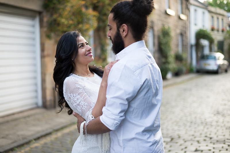 Paarfotos in Edinburghs Innenstadt Hochzeitsfotografin
