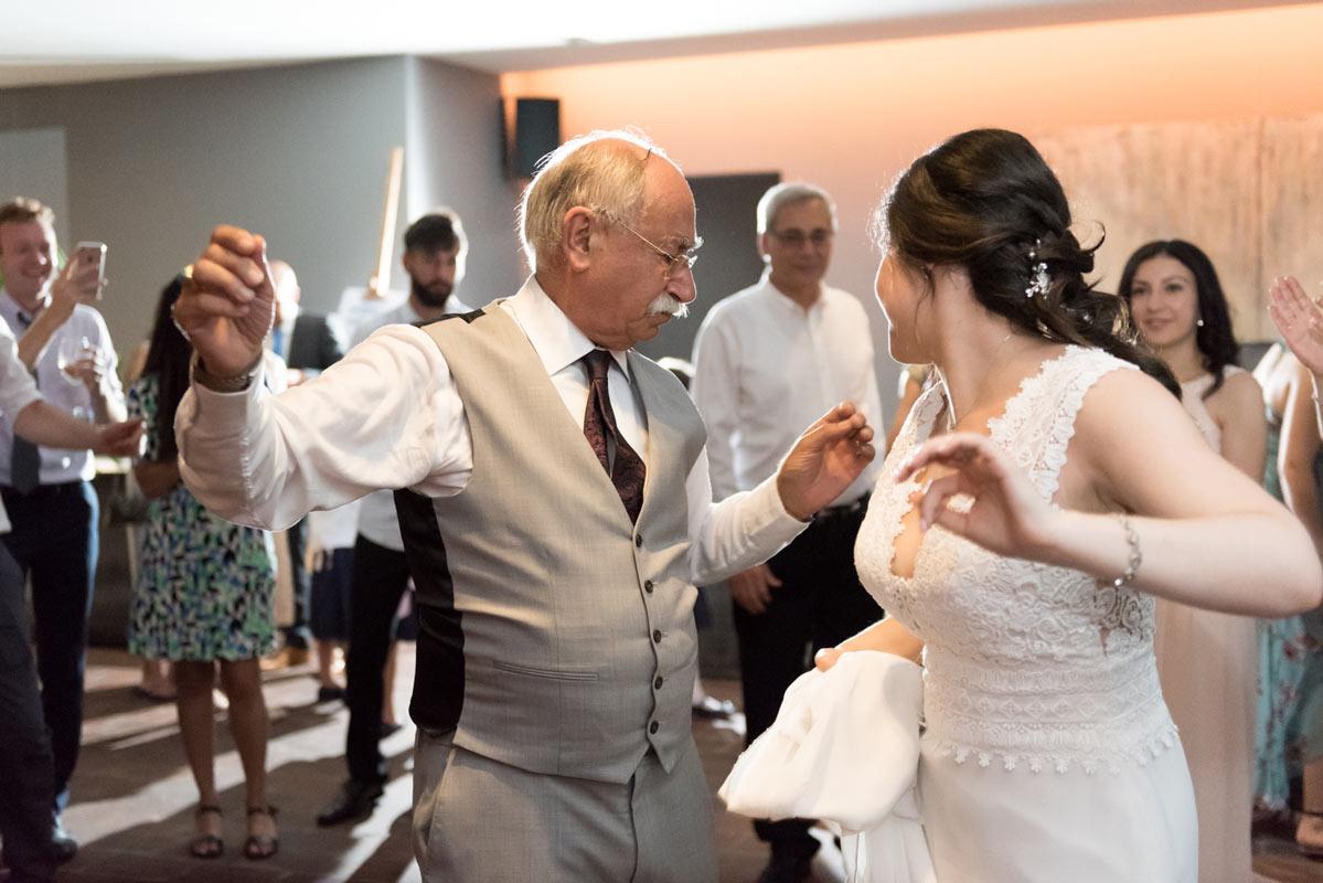 Wedding in Austria dance at Weingut am Reisenberg