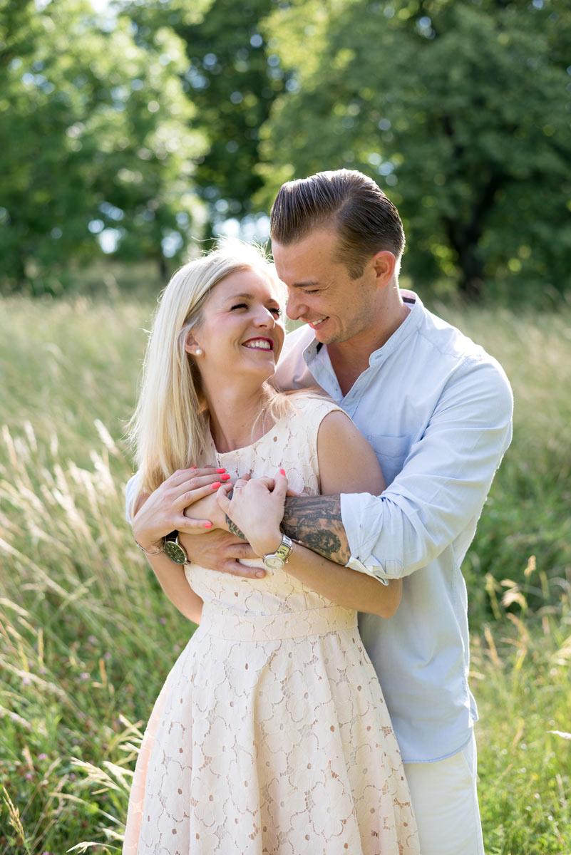 sommerliches verlobungsshooting in wien grinzing