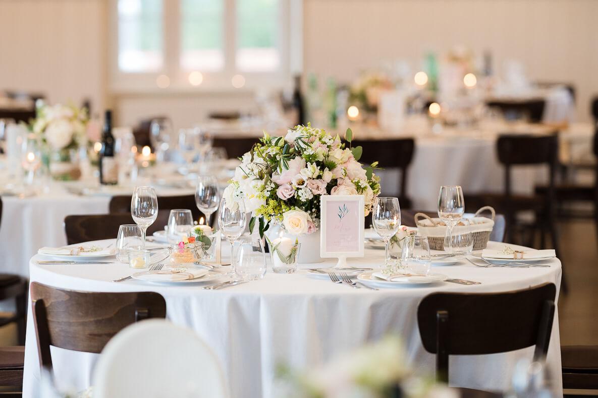 klassische Tischdeko Hochzeit